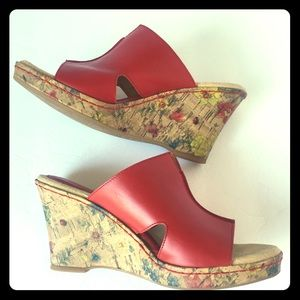 b.o..c. Red Leather Wedge Sandals 9M